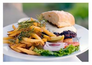 OOOOO baby I want a bite of this burger !!!