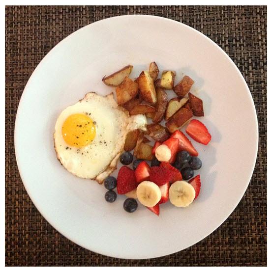 Sunny Side Up Egg_Fresh Fruit_Potatoes