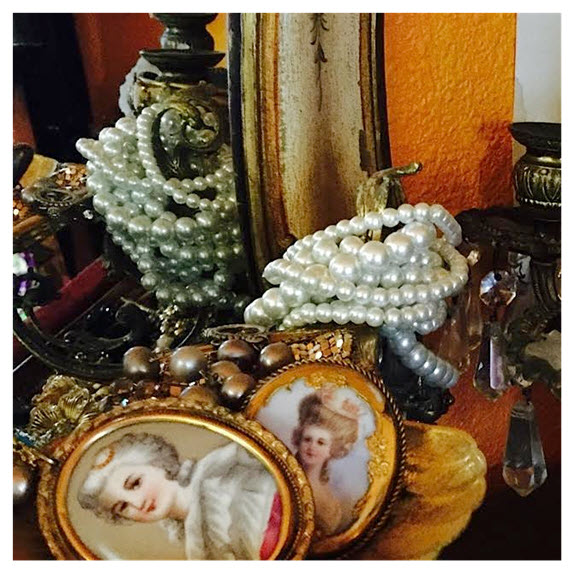 Luxe and Vintage Jewelry_Contessa