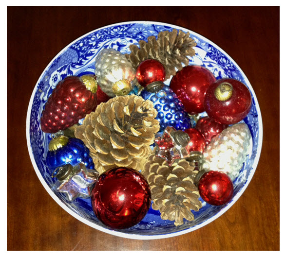 Bowl with Ornaments 4a