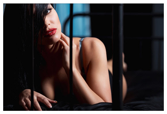 Beautiful Woman in Lingerie on Bed Red Lipstick_Daily Plate of Crazy