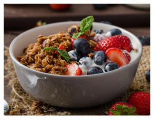 Berries and Granola With Yogurt