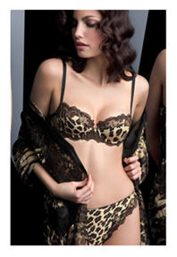 Click to view Lise Charmel sweet cheetah bra set at Mio Destino