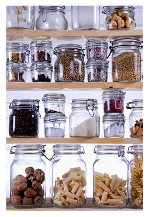Beautiful Organized Pantry Shelves