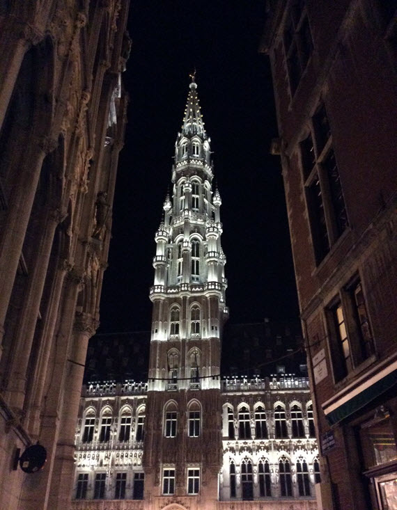 Grande Place at night 2