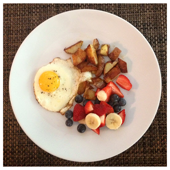 Sunny Side Up Egg_Fresh Fruit_Potatoes
