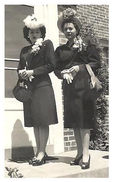 1940s Style_Two Women_L_E 2
