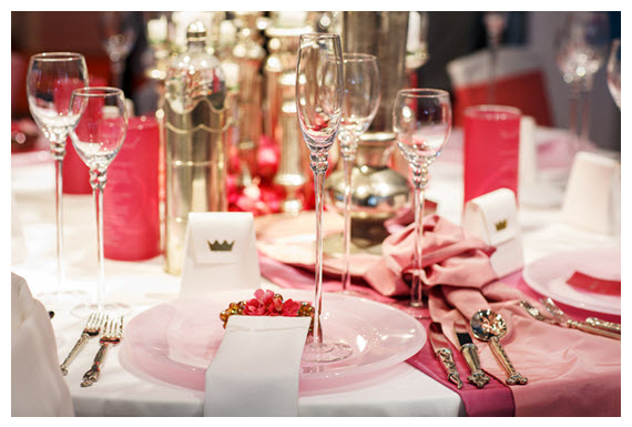 Elegant Table set in pinks and reds lg
